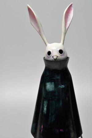 怖いウサギ ブルーブラックアップ