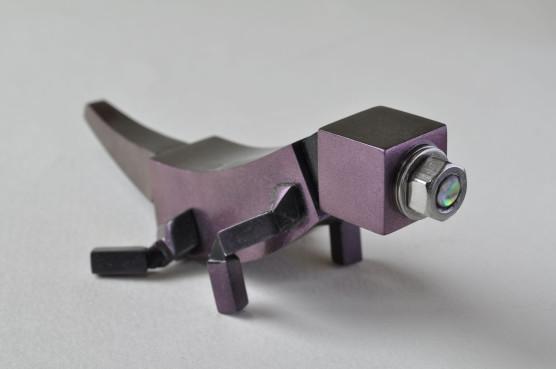 カメラトカゲ 紫