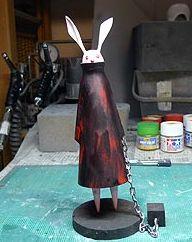 コタツの中の人さん 制作怖いウサギ